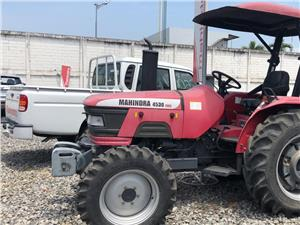 Tractores Agrícolas Mahindra 4530 4WD (Guayaquil)